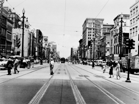 the-streetcar-tracks-of-canal-street-in-new-orleans_i-G-27-2749-SA1TD00Z